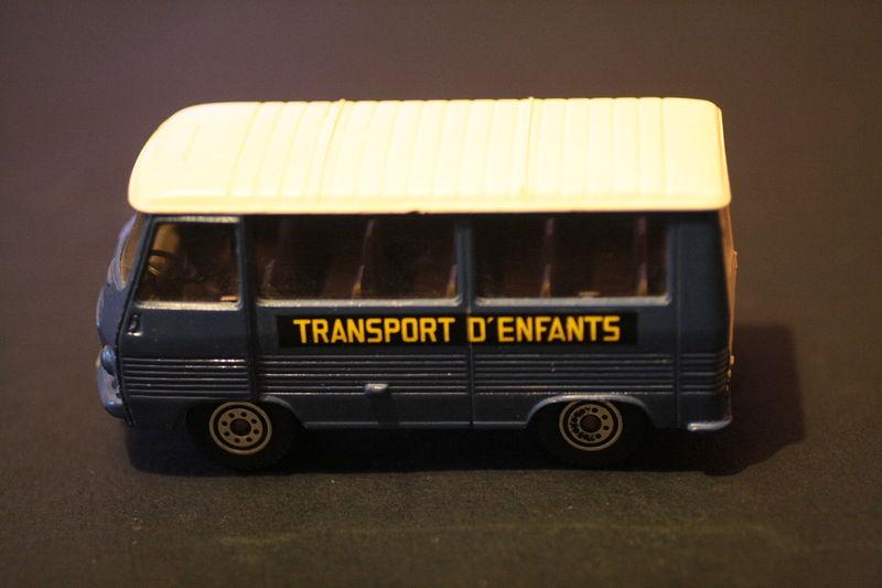 355_Peugeot J7_01