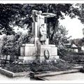 AVESNES-Monument