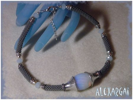 Collier_Looma_1