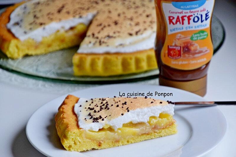 tarte garnie de beurre de pomme sur caramel beurre salé meringuée (6)