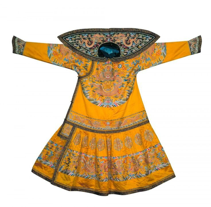 Emperor's ceremonial court robe, Qing dynasty, Qianlong period, 1736–95