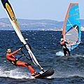 Windsurfeurs au taquet à marseillan sur l'étang de thau le 25 juillet : cinquième round!