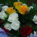 Roses et pot de confiture