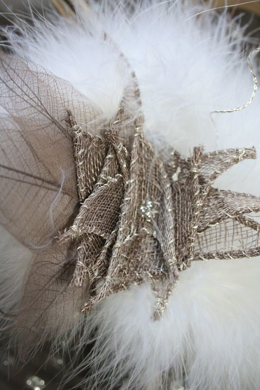 Edelweiss, Blanc, argent et taupe