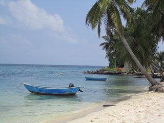 Sur une île habitée