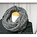 PH2013_10_17-076-tour-de-cou-double-snood-echarpe-foulard-ado-adulte-femme-laine-polyester-noir_chine_blanc-chevron-owly-mary-du-pole-nord