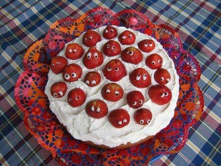 strawberry_cake_by_bacdafuckup