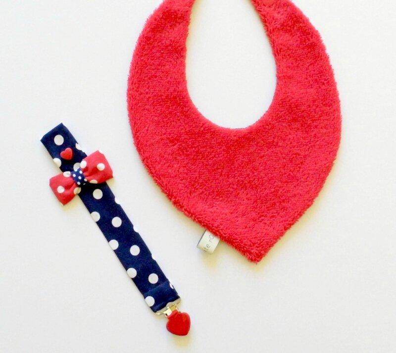 bavoir bandana fille marine et rouge