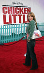 Premiere_Disney_Animated_Feature_Chicken_Little_3OXbY0ZQ4bLl