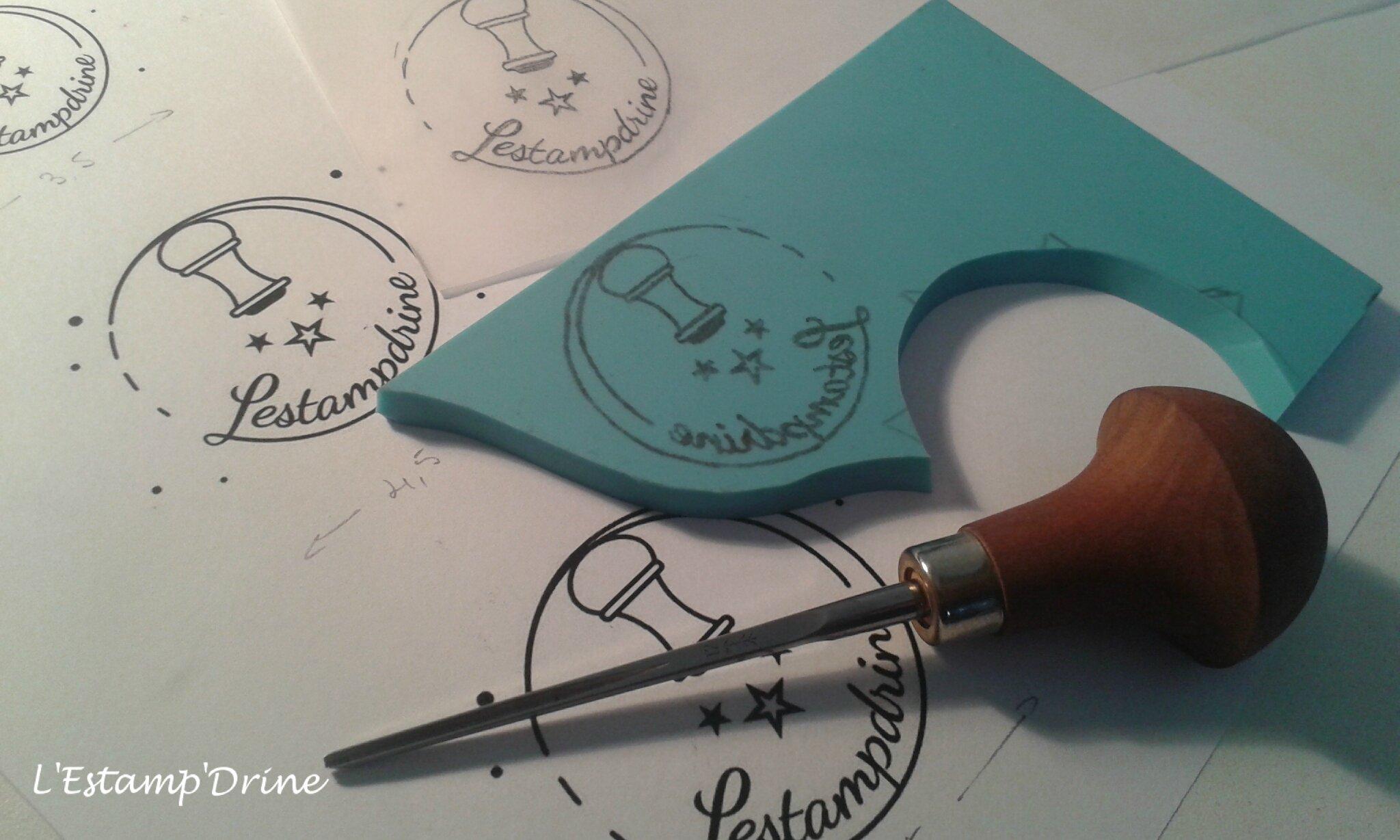 Gravure de mon tampon logo L'Estampdrine