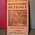 Un beau livre d'histoire de france de 1929 édité chez hachette !