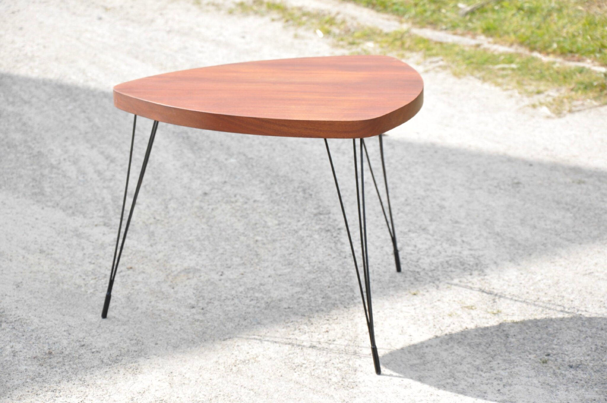 table basse tripode pieds eiffel annees 50