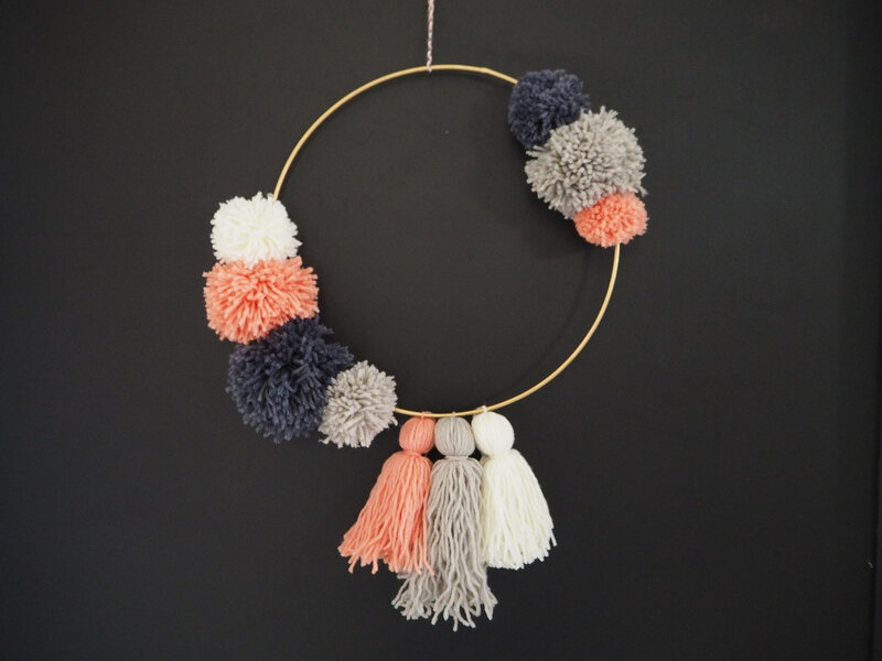 couronne pompons3