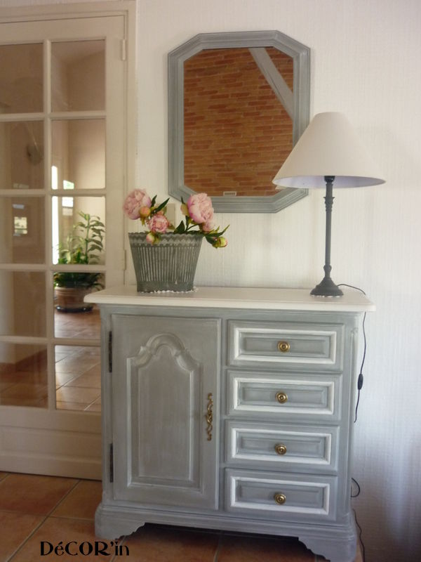 meuble bas style louis xii peint gris patin dessus peint et vieilli en blanc