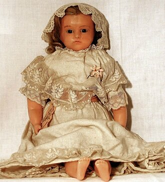 Pierotti_wax_doll_from_Frederic_Aldis,_London,_01,_sitting_doll,_vested