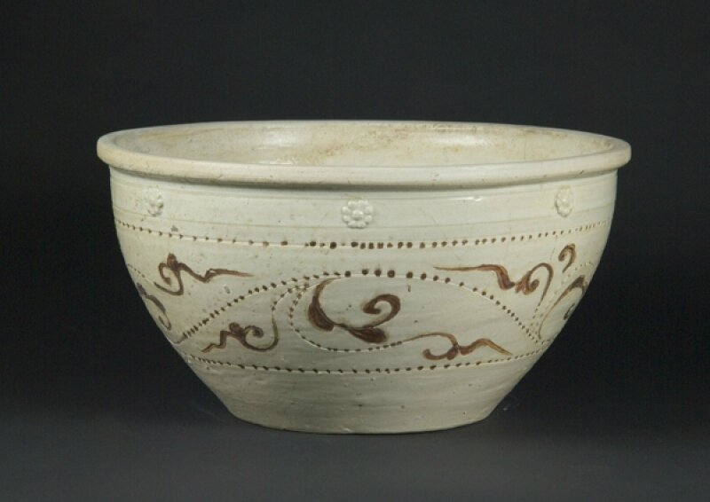 Large Basin, Ly–Tran dynasty, 12th–14th century, Thanh Hoa Province