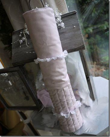 Cadeau Laurette- range aiguilles.23.01.2011 002