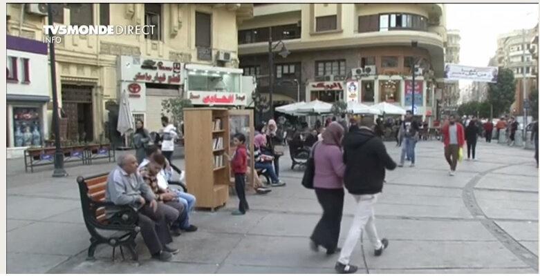 Une bibliothèque de rue au Caire pour donner le goût de lire