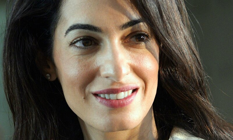 Amal-Clooney-in-Athens-009