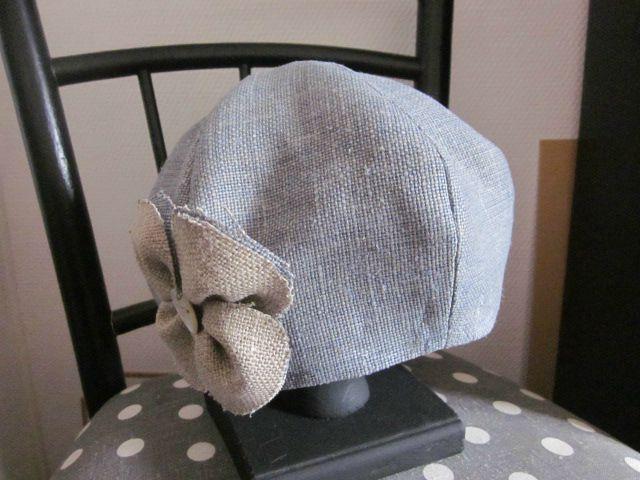chapeau en lin bleu et fleur de lin beige (1)