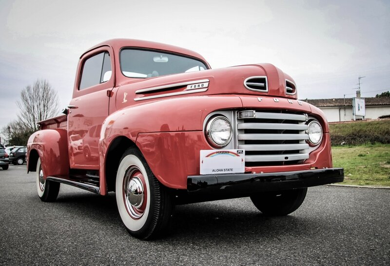 Ancien pick-up Ford