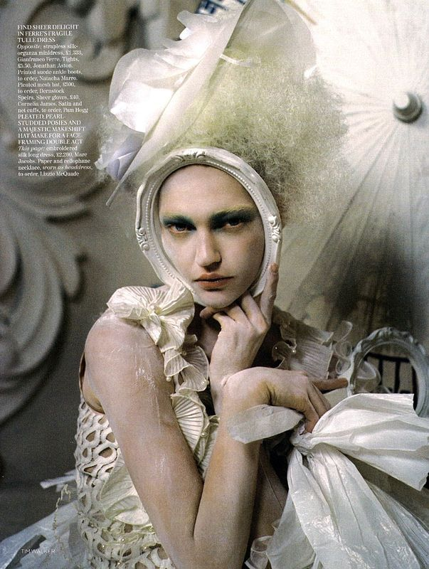 tim_walker_china_white_voggue_uk_mars_2010