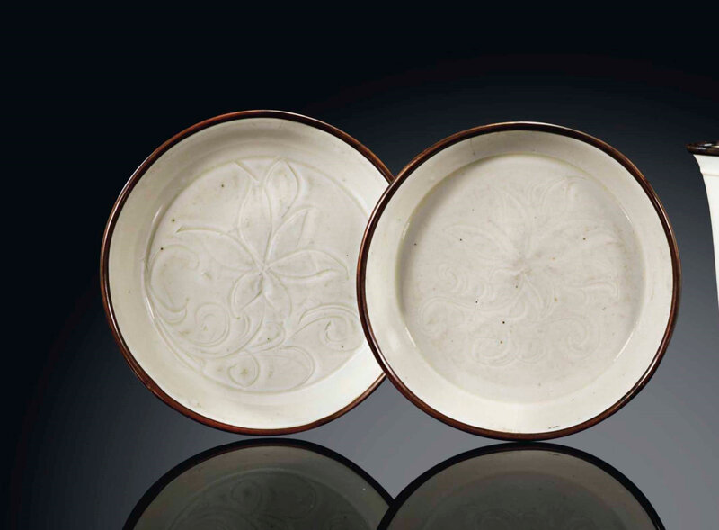 A pair of smallDingyaodishes, Song dynasty (960-1279)