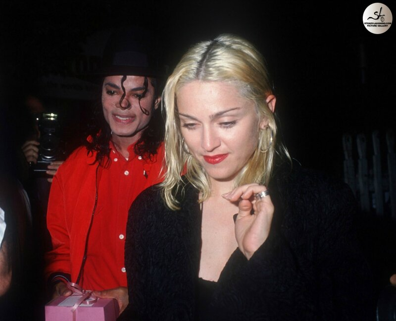 michael-and-madonna-have-dinner-at-the-ivy-in-beverly-hills(53)-m-5