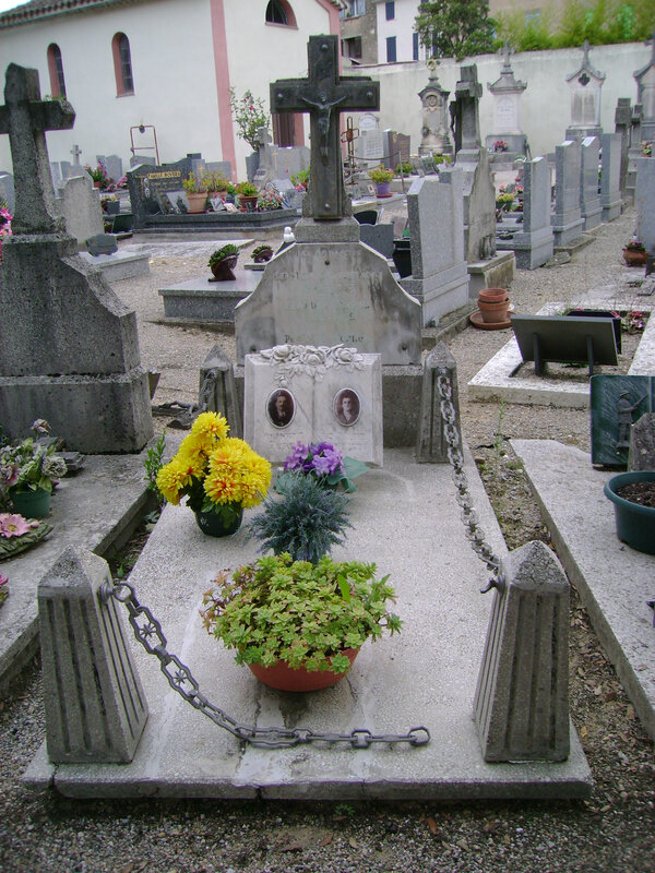 174 - Tombe de la famille Giraudo Barthélémy