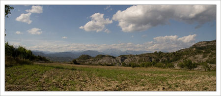 Guara_Arcusa_champ_et_Pyrenees_AM_090709