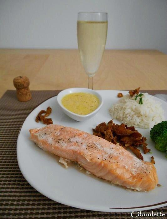 Pavés de saumon, sauce au champagne
