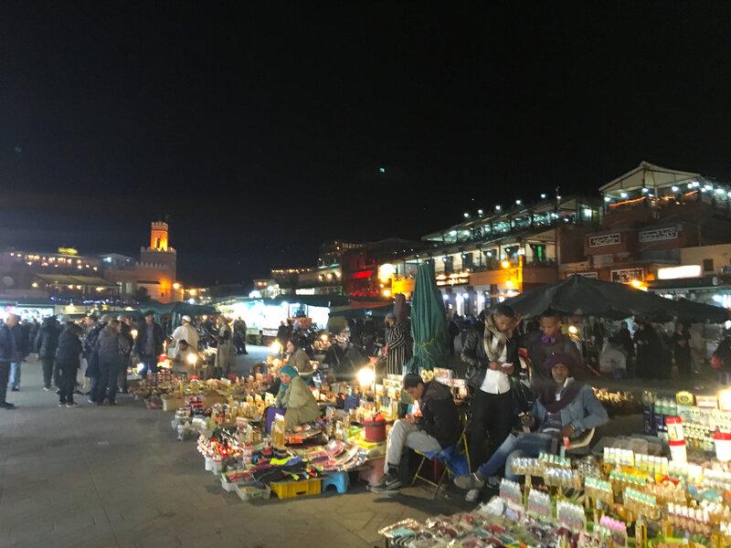 la place Jemma el Fna de nuit