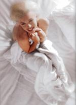 1961-11-17-santa_monica-by_douglas_kirkland-bed-040-1a