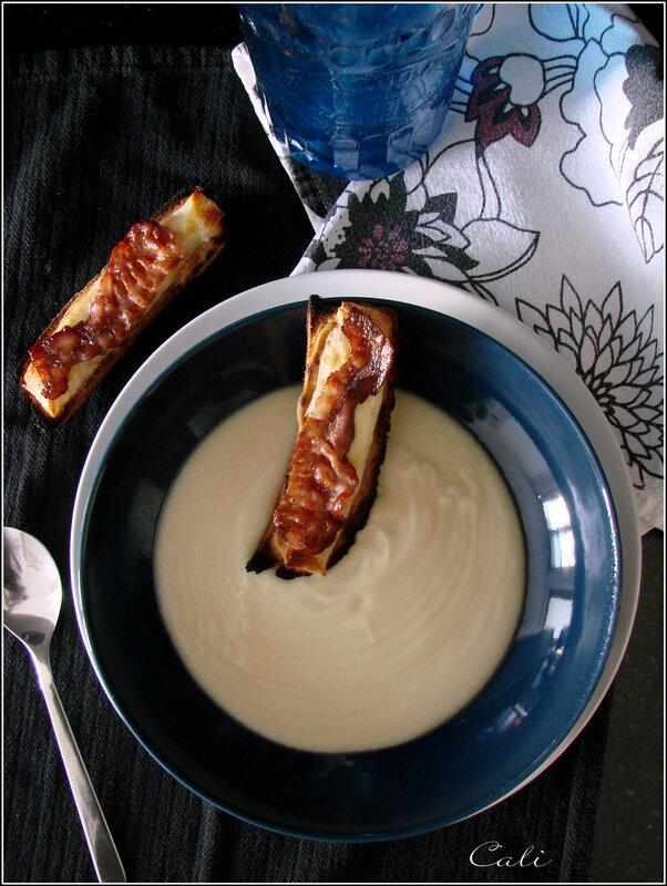 Velouté de Chou-fleur, Croûtons au Fromage & au Bacon 001