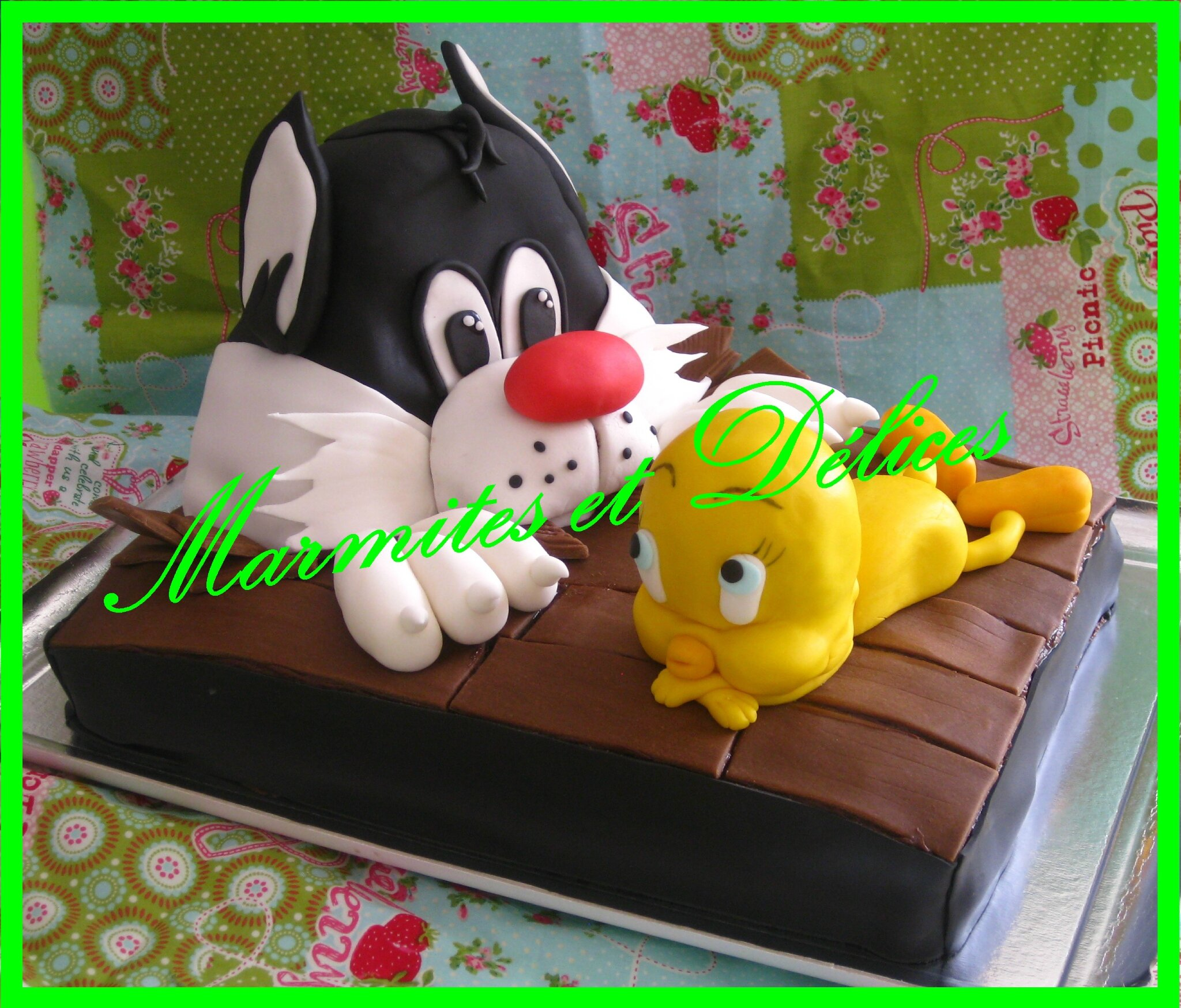 Gâteau Titi Et Grosminet 25 Parts Photo De Desserts