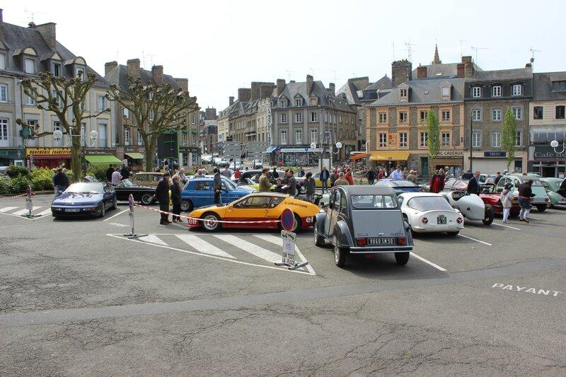 rassemblement voitures anciennes Avranches mai 2014 place Littré 1