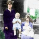 1919-della_and_gladys-with_jackiehermitt_berniece-2