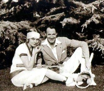 Vilma et Rod jouent au tennis