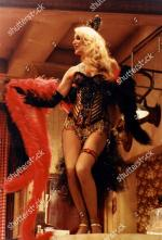 Jerry_Hall-1990-01-24-Palace_Theatre_Watford-Bus_Stop-04-1