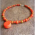 Collier rouge macaron