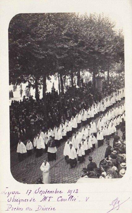 funérailles Mgr Coullié prêtres du diocèse