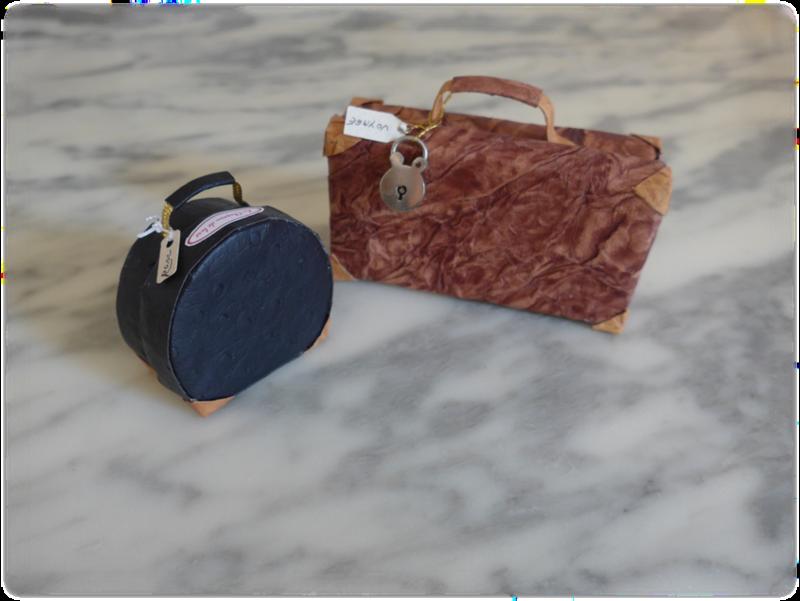 valise et boîte à chapeau