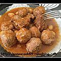 Mtewem sauce rouge (boulettes de viande à l'ail)...