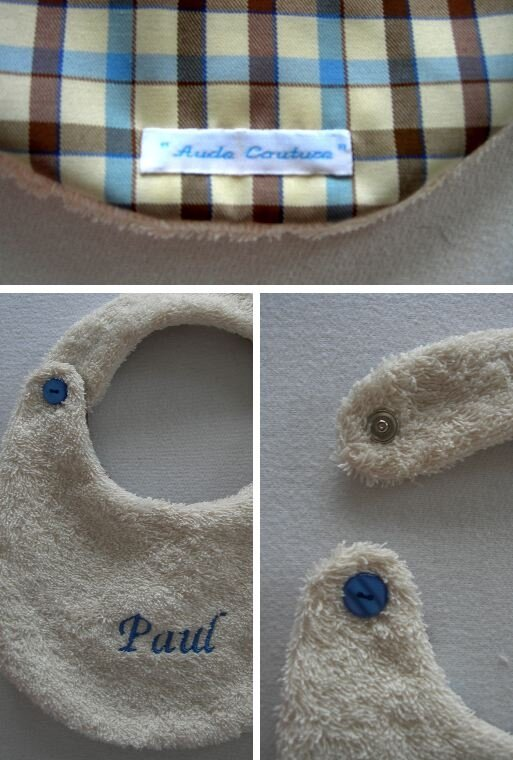 Bavoir boutonné bleu