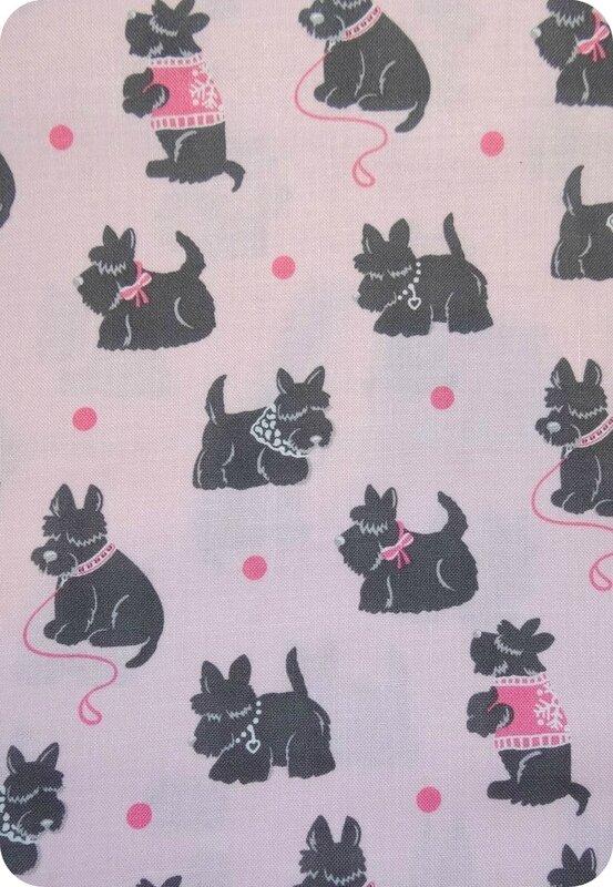 Tissu chien rose et noir