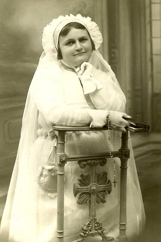 Suzanne en communiante en 1938