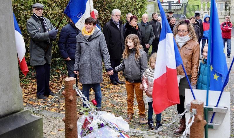 EFFRY 11 NOVEMBRE 2019 enfants Marseillaise