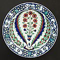Iznik dish with central bouquet of seven flowers,