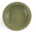 Important plat céladon, Chine, Probablement Zheijang, XIVe-XVe siècle