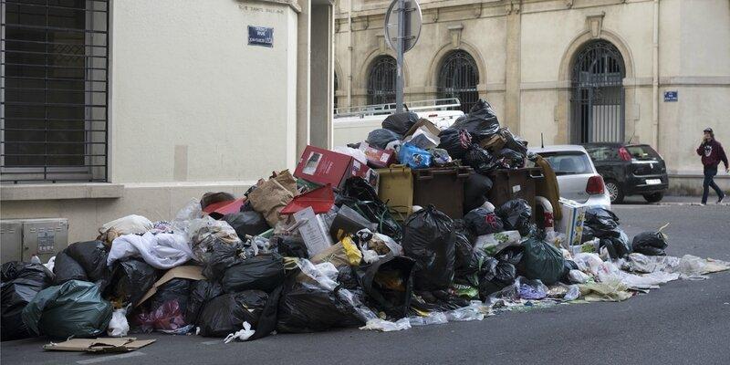 Poubelles-a-Marseille-la-societe-Derichebourg-denonce-des-violences-les-syndicats-dementent